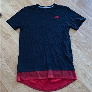 Nike elongated layered men's large tee